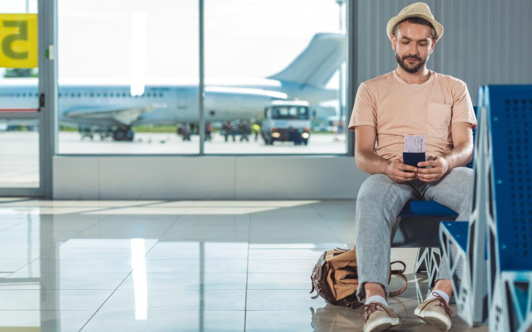 Opóźniony lub odwołany lot – jakie prawa przysługują pasażerowi?